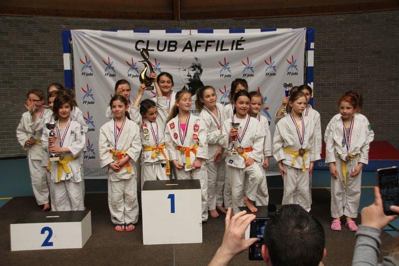 Nous remercions Sébastien pour avoir été le référant de nos Judokas. Merci  également aux parents pour leur implication et solidarité. 32865da3538